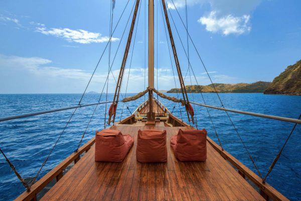 Sewa Kapal Di Komodo, sewa kapal labuan bajo 2018, paket kapal phinisi labuan bajo, kapal terbaik di labuan bajo, tarif kapal dari labuan bajo ke komodo