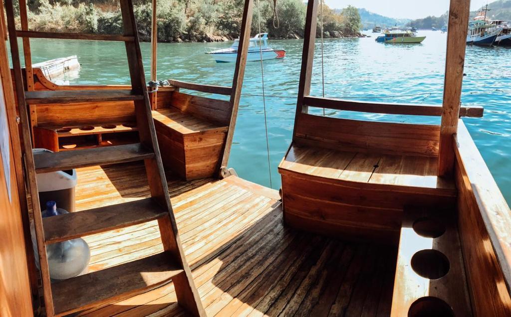 rental phinisi bajo, sewa kapal phinisi flores, open trip phinisi, phinisi boat labuan bajo, phinisi boat charter komodo, sailing komodo luxury 2021