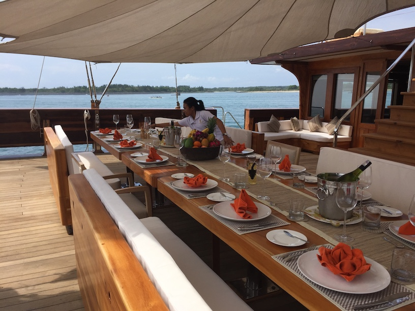 charter lamima superyacht, yacht charter labuan bajo, harga sewa lamima, daily charter la mima, lamima liveaboard, biaya rental lamima 2020, komodo yacht charter 2021