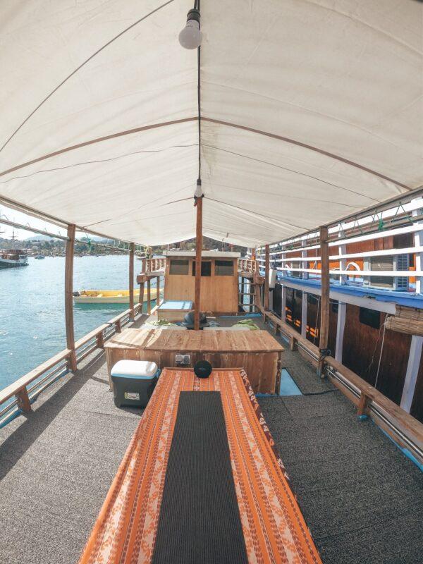Sewa Kapal Komodoku Bajo, rental kapal komodo, labuan bajo boat charter, harga sewa kapal komodoku 2021, penyewaan kapal di bajo