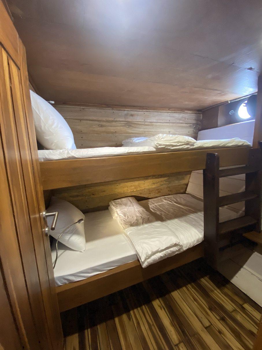 Sewa km kalani bajo, harga sewa kapal di bajo, rental kapal medium bajo, labuan bajo boat rental, komodo boat charter, biaya sewa kapal di komodo 2021