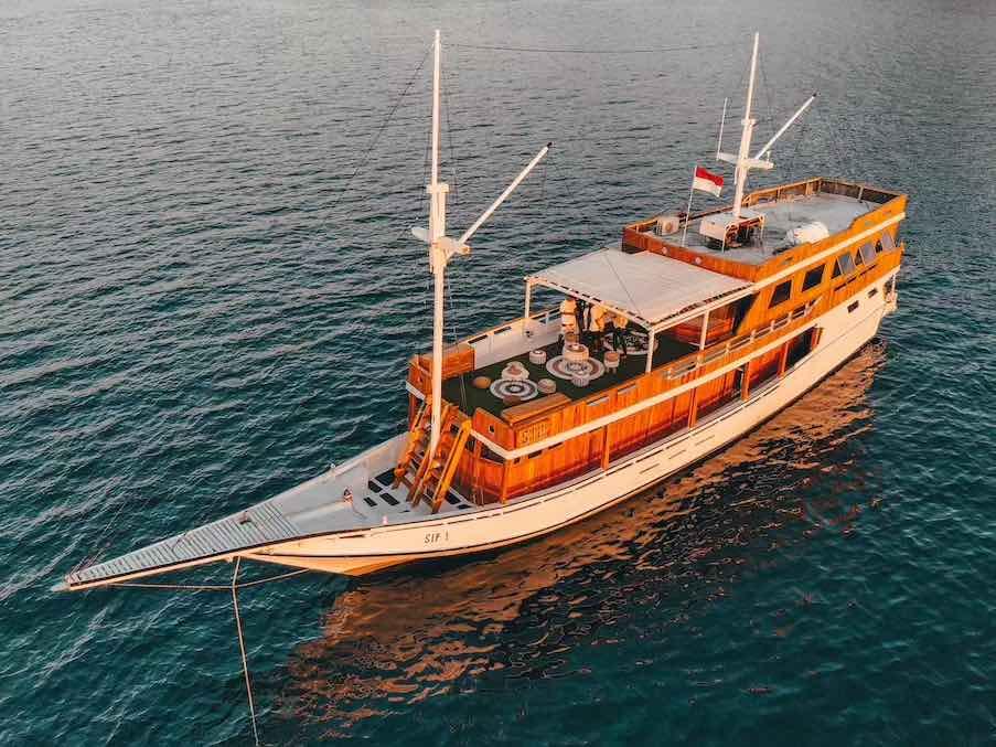kapal sip labuan bajo, charter kapal SIP, klm sip liveaboard, km sip bajo, harga sewa kapal SIP 2021, tempat penyewaan kapal bajo, bajo rental
