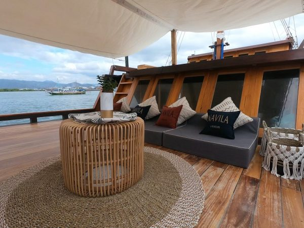 Sewa phinisi navila komodo, navila boat charter, biaya sewa kapal navila 2021, phinisi navila, navila liveaboard, foto kapal navila, bajo rental