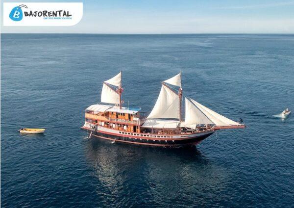 Sewa phinisi lamborajo 2, sewa kapal lamborajo, klm lamborajo labuan bajo, harga sewa kapal lamborajo, komodo phinisi charter, komodo boat rental, bajo rental