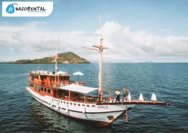 Sewa phinisi vinca voyages, harga sewa kapal vinca liveaboard, kapal phinisi LOB, komodo boat charter, tempat sewa phinisi di bajo, phinisi vinca, vinca voyages, cp kapal vinca