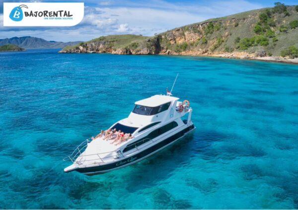 ocean queen speedboat komodo, private charter speedboat labuan bajo, pricelist speedboat bajo, harga sewa fastboat, daily trip labuan bajo, excursion komodo