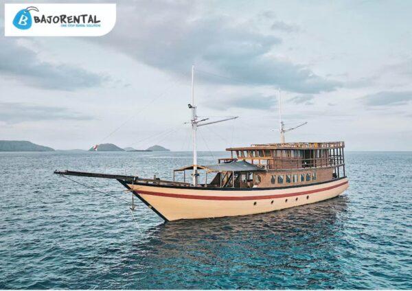 sewa kapal phinisi kanha loka, phinisi kanha loka, private boat charter komodo, labuan bajo trip, private trip komodo, phinisi rental labuan bajo