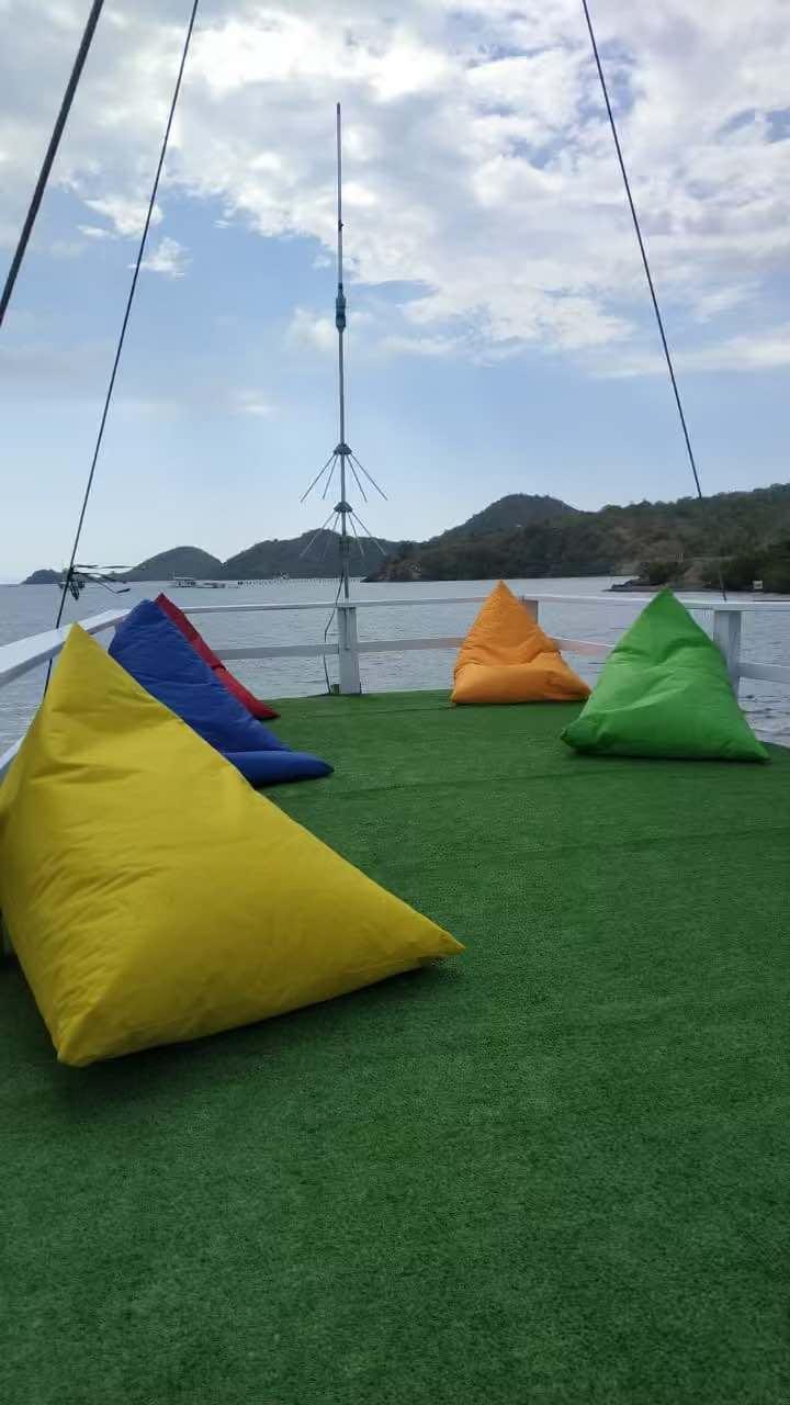 sewa phinisi arumi bajo, sewa kapal arumi labuan bajo, charter phinisi komodo, private charter boat to komodo, harga sewa kapal di labuan bajo 2021 2022, bajo rental
