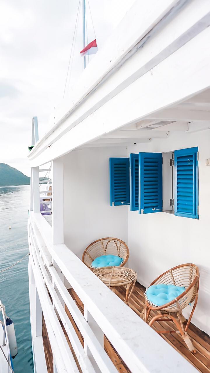 Sewa kapal lanissa liveaboard, charter phinisi lanissa, open trip komodo lanissa, sailing labuan bajo komodo, komobo boat charter 2021, pricelist sewa kapal bajo